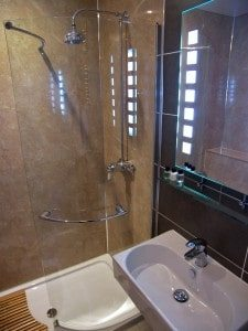 Premium Family Twin bathroom at Rosemount Hotel Pitlochry