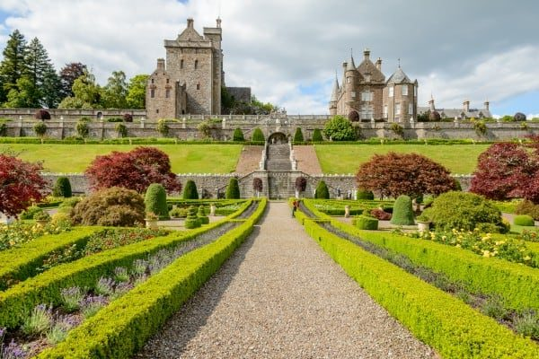 Pitlochry Day Trips - Drummond Castle & Gardens