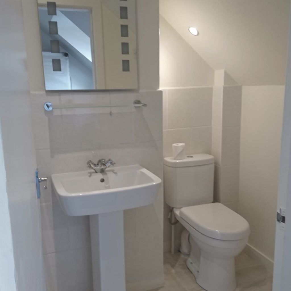 https://www.scottishhotels.co.uk/wp-content/uploads/2018/03/regular-bath-1-1024x1024.jpg